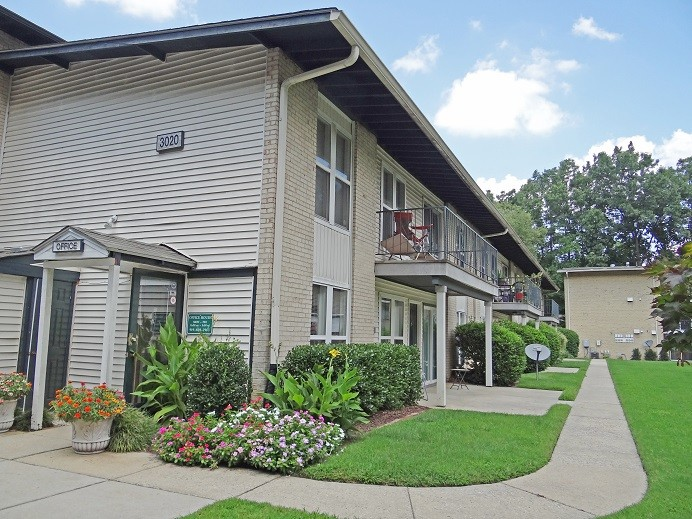Spanish Trace Apartments: Raleigh, NC (Office)